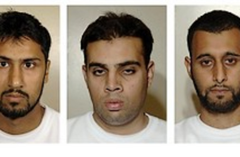 liquid explosive terrorists UK 248 88 (photo credit: )