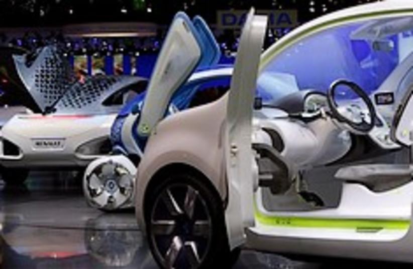 renalut electric car 248.88 (photo credit: AP)