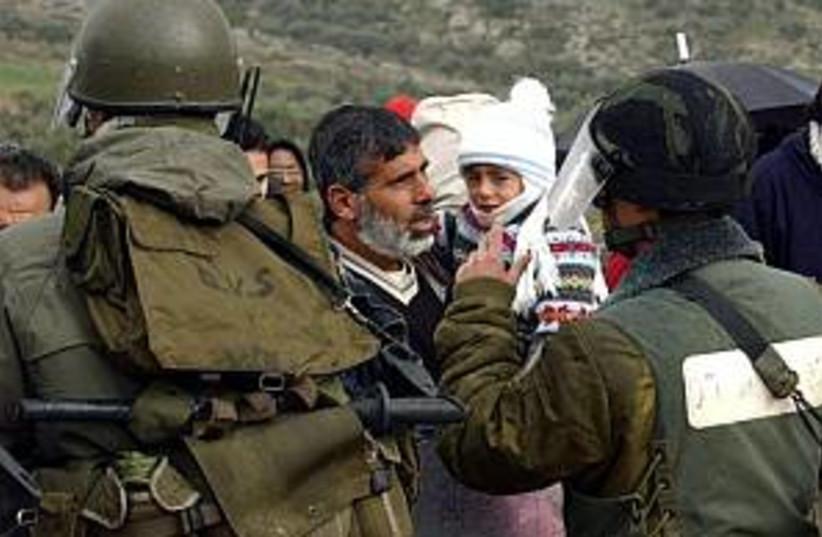 IDF, Palestinian 298.88 (photo credit: AP)