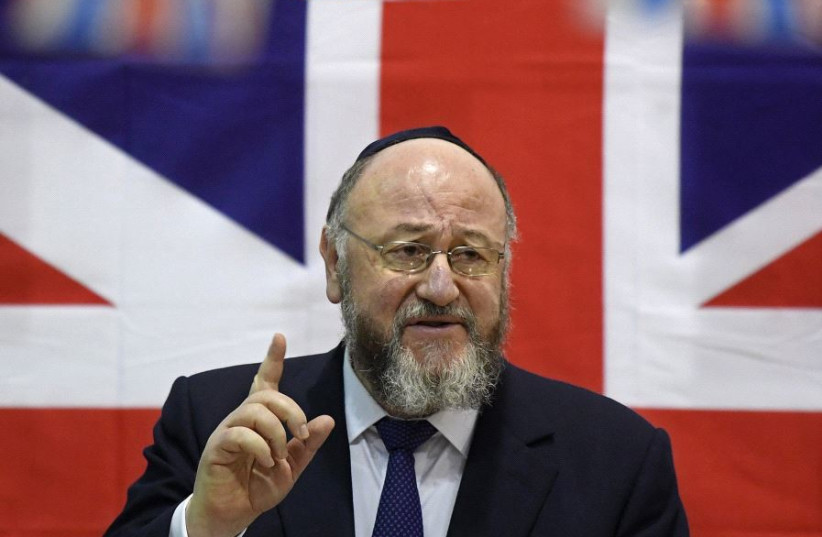 Britain's chief rabbi Ephraim Mirvis (photo credit: TOBY MELVILLE/REUTERS)