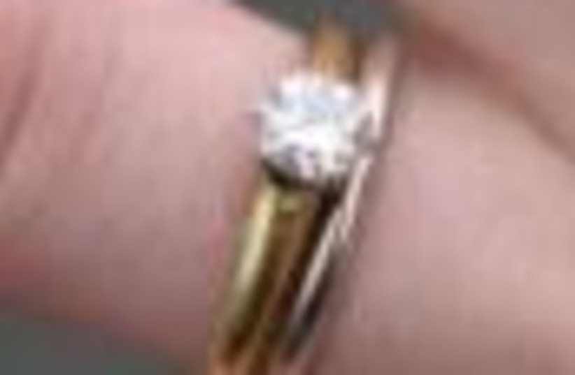 wedding ring 88 (photo credit: )