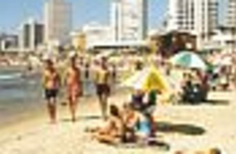 tel aviv beach 88 (photo credit: )
