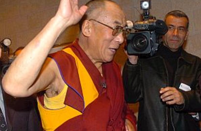 dalai lama 298 88 aj (photo credit: Ariel Jerozolimski)
