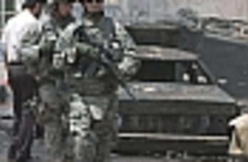 iraq us troops 88 (photo credit: )