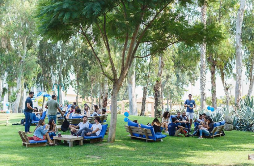 study abroad  (photo credit: PHOTO IDC STAFF)
