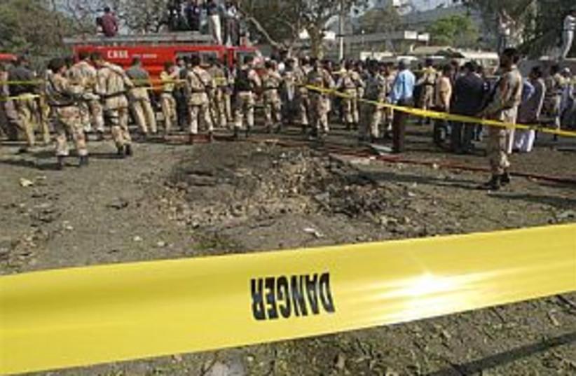 pakistan bombing 88.298 (photo credit: AP)