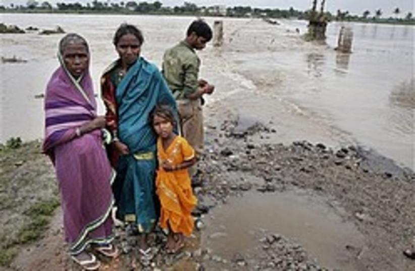 india flood 248.88 (photo credit: )