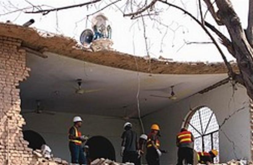 Pakistani rescue workers bomb 248.88 (photo credit: )