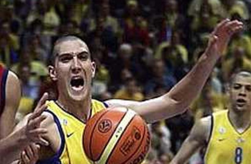 Maccabi TA 298.88 (photo credit: AP)