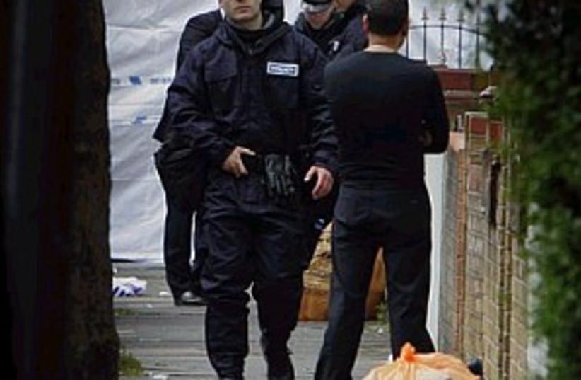 london police raid 29888 (photo credit: AP)