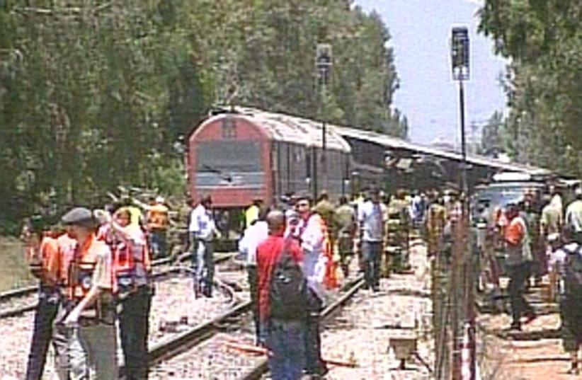 Train wreck 298 ch 10 (photo credit: Channel 10)