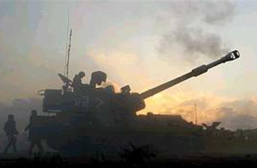 idf artillery gaza 29888 (photo credit: AP [file])