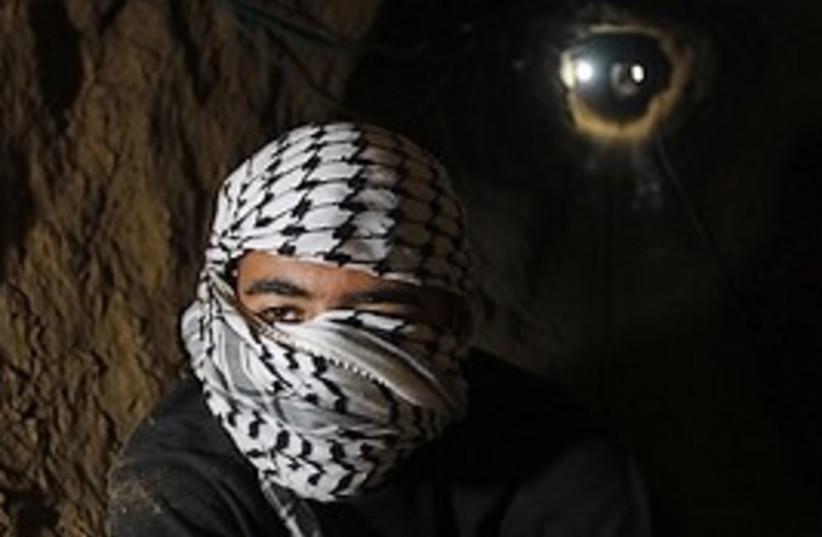 smuggling tunnel rafah 298 (photo credit: )