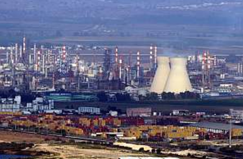 haifa petrochemicals  (photo credit: Ariel Jerozolimski)