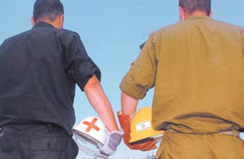 on alert 298 (photo credit: IDF Spokesman)