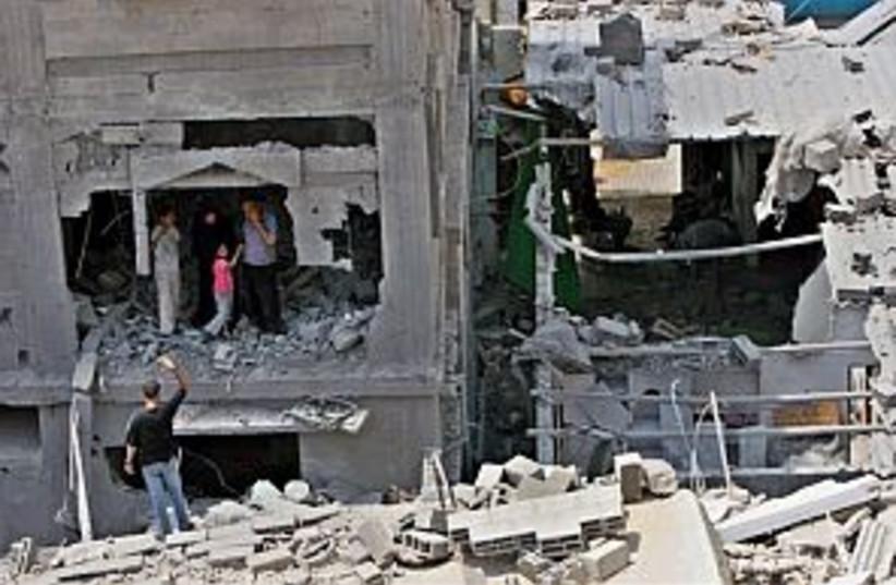IDf gaza 298.88 (photo credit: AP)