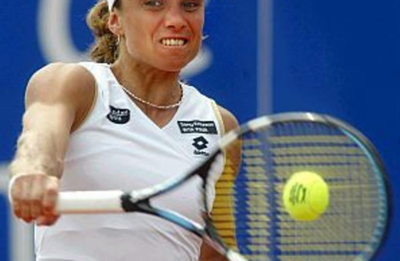 smashnova hitting ball  (photo credit: AP)