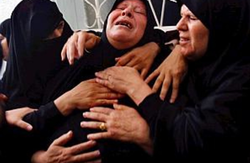rafah woman 298.88 (photo credit: Associated Press)