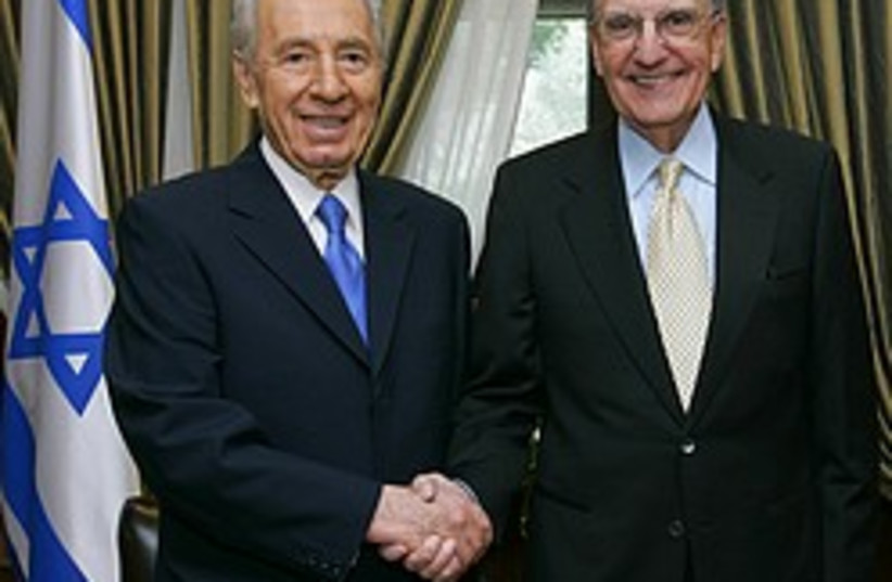 peres mitchell 248 88 (do not publish again) (photo credit: Flash 90)