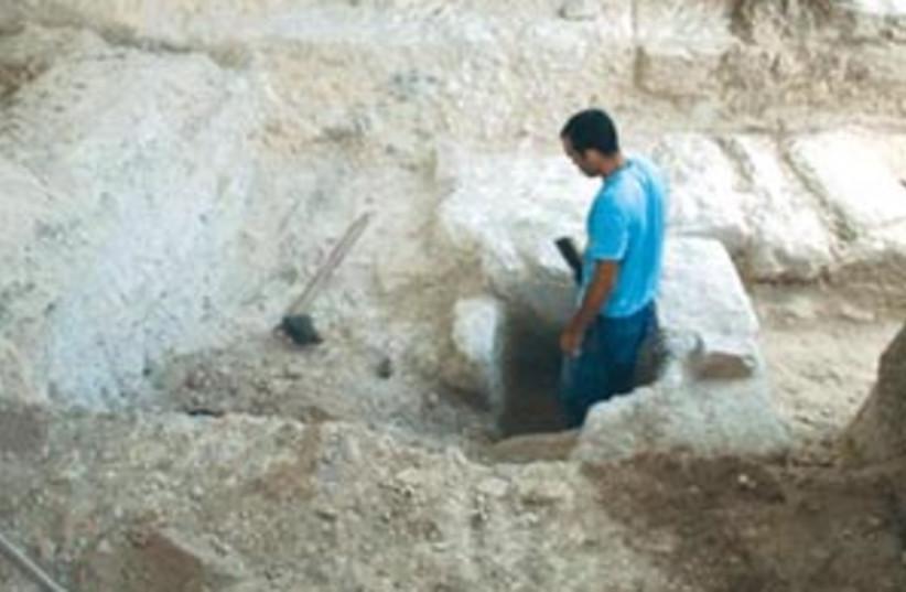 ramat rahel 88 298 (photo credit: Pasha Shargo, Institute of Archeology, Tel Aviv Un)