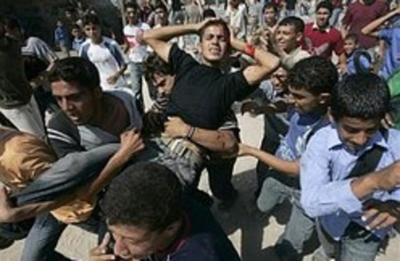 fatah hamas clashes 248.88  (photo credit: AP)