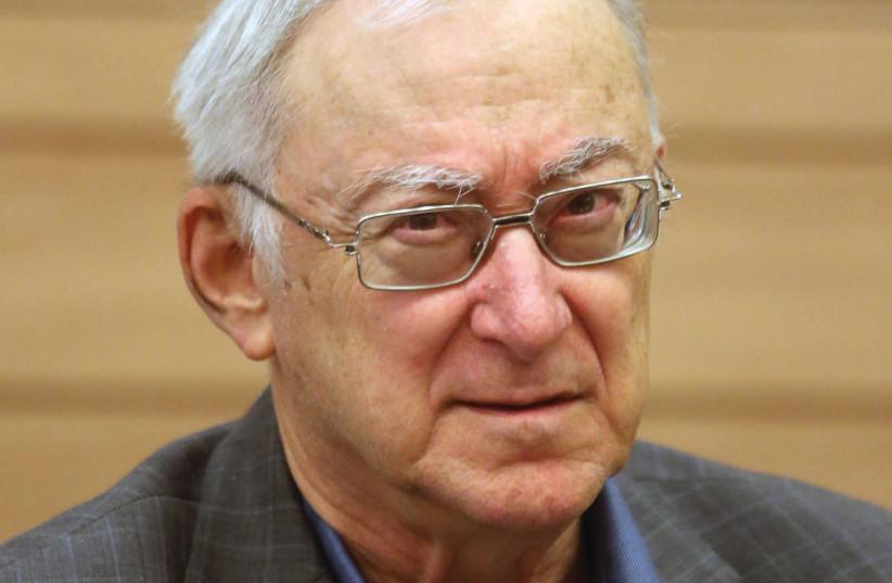 Le professeur Asa Kasher, auteur du code éthique (photo credit: MARC ISRAEL SELLEM/THE JERUSALEM POST)