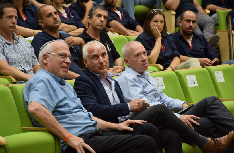Agriculture Minister Uri Ariel (Bayit Yehudi), MK Haim Jelin (Yesh Atid), and Construction Minister Yoav Gallant (Kulanu) at Tuesday's event promoting youth in agriculture, July 6, 2017. (photo credit: SHAI ROSEN)