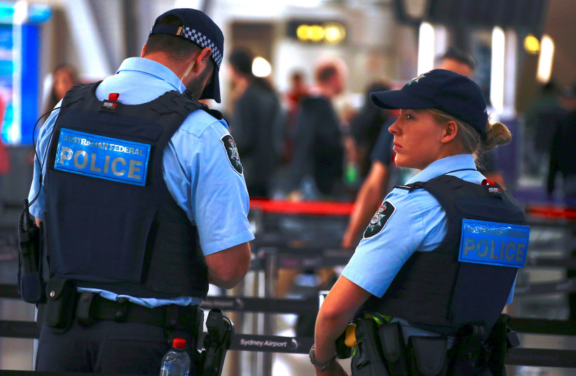 Australian Police at Sydney Airport (photo credit: DAVID GRAY / REUTERS)