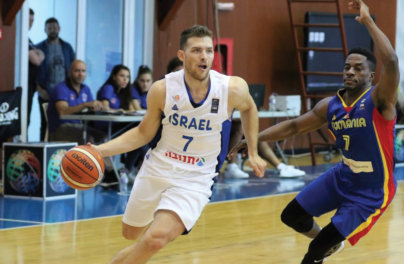 Guard Gal Mekel (left) seems certain to be part of Israel's 12-man roster for EuroBasket 2017. (photo credit: ALINA-DIANA COJOCARU)