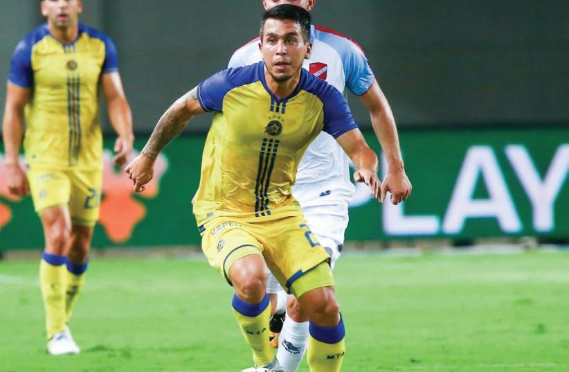 Maccabi Tel Aviv midfielder Cristian Battocchio (photo credit: DANNY MARON)