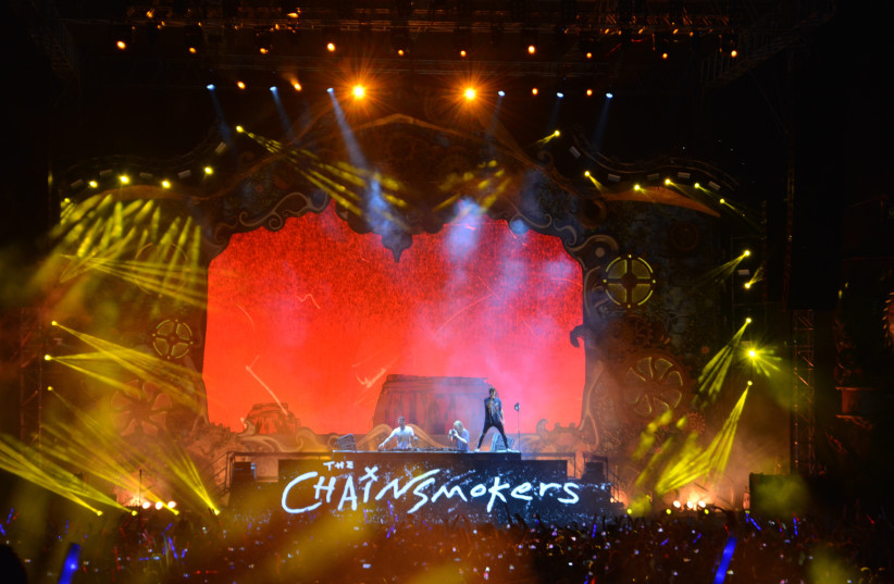 Chainsmokers perform at Rishon Lezion Live Park, August 3 2017. (photo credit: KAYLA STEINBERG)