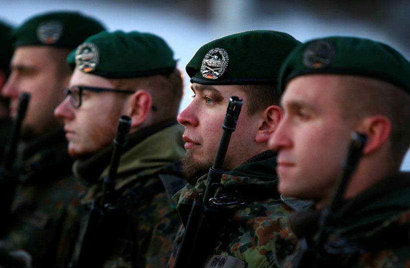 Soldiers of the German armed forces, January 19, 2017 (photo credit: REUTERS)