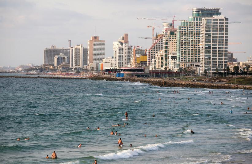 Une vue générale de Tel-Aviv et de Jaffa (photo credit: MARC ISRAEL SELLEM/THE JERUSALEM POST)