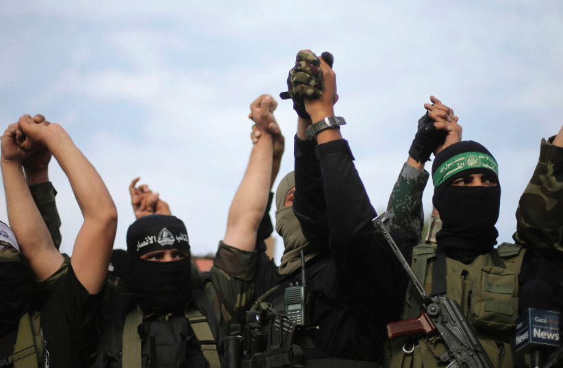 Hamas members (photo credit: REUTERS)