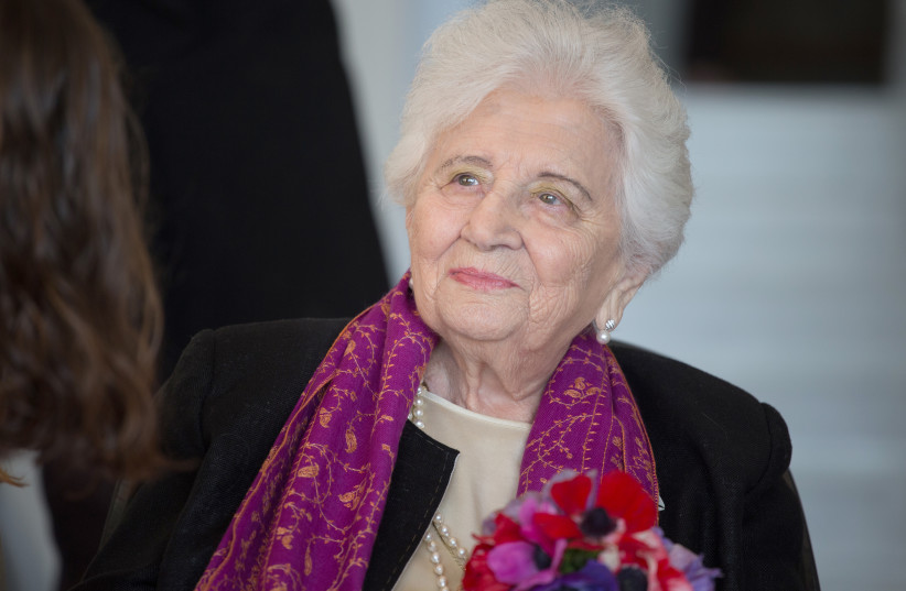 Ruth Dayan, lors de son 100e anniversaire (photo credit: EREZ HARODI - OSIM TSILUM)