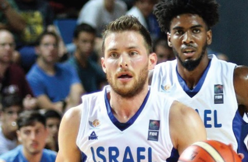 Guard Gal Mekel was Israel's top scorer with 16 points in last night's win over Great Britain at the Drive-In Arena in Tel Aviv (photo credit: ADI AVISHAI)