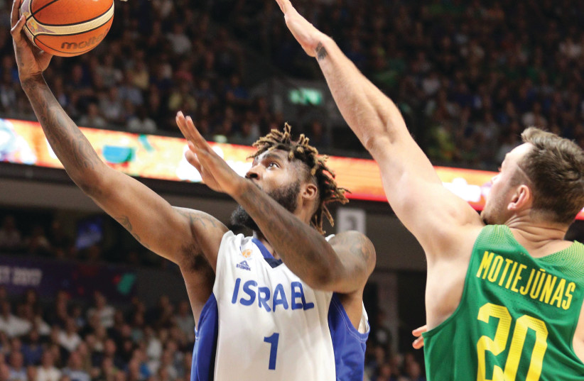 Richard Howell's (left) best efforts, Israel dropped to a second straight defeat in EuroBasket 2017 last night, falling to Lithuania at Yad Eliyahu Arena in Tel Aviv, September 2, 2017.. (photo credit: AVI AVISHAI)