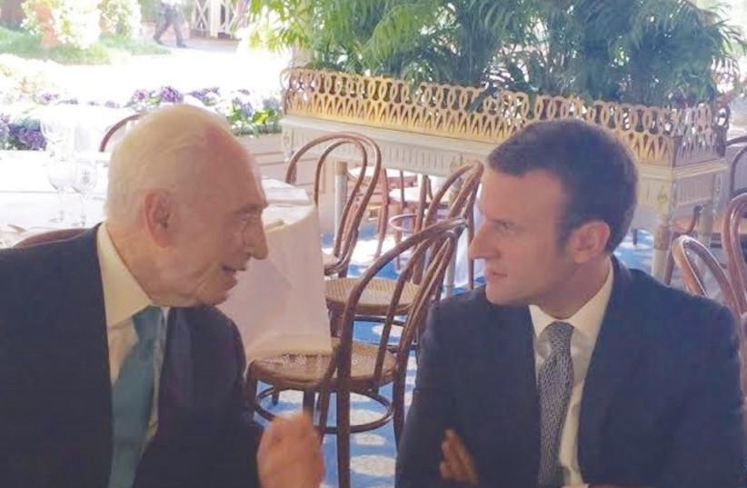 Shimon Peres with Emmanuel Macron. (photo credit: Courtesy)