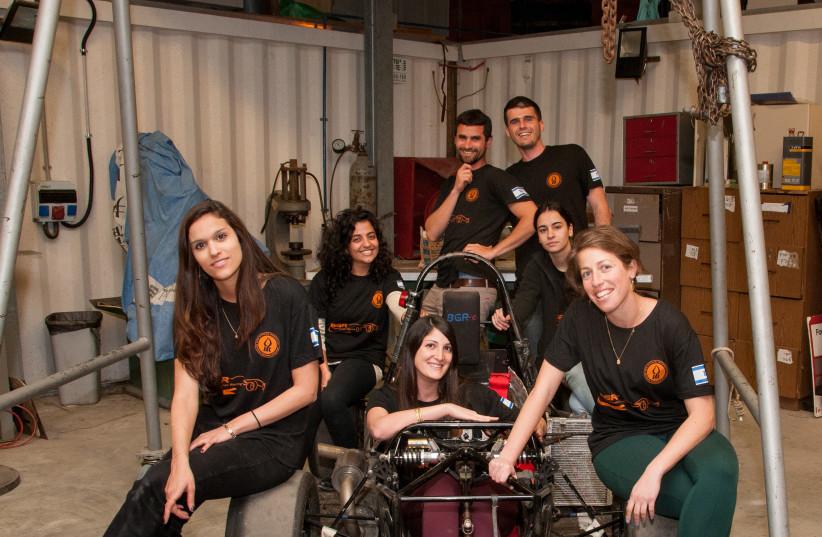 Hodaya Hadad (left) and members of the BGR team (photo credit: BEN GURION UNIVERSITY OF THE NEGEV)