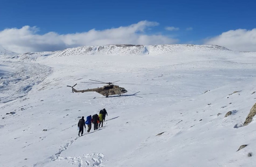 Five Israelis rescued on a mountain in Mongolia (photo credit: HAREL INSURANCE COMPANY)