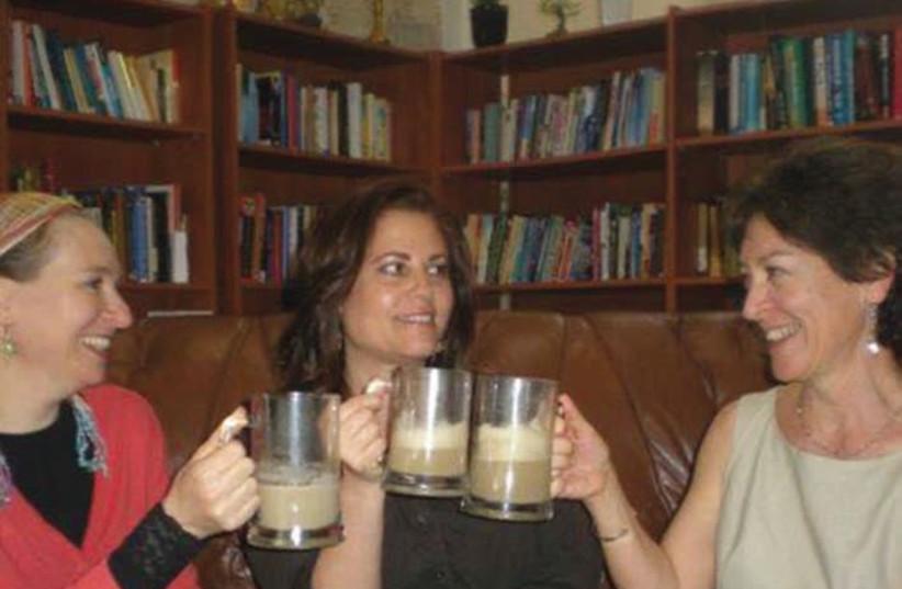 A Rosh Hashana l'haim with lattes: (from left) Danit Shemesh, Tzippi Sha-ked and Pam Peled (photo credit: PR)