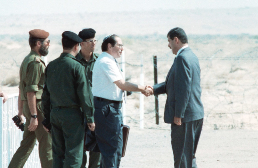 Elkayim Rubinstein meets with his Jordanian counterpart before peace talks, 1994 (photo credit: REUTERS)