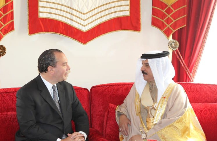 A meeting between Rabbi Marc Schneier and King Hamad bin Isa Al Khalifa, which took place at the Royal Palace in Manama, Bahrain, on Wednesday March 2, 2016. (photo credit: Courtesy)