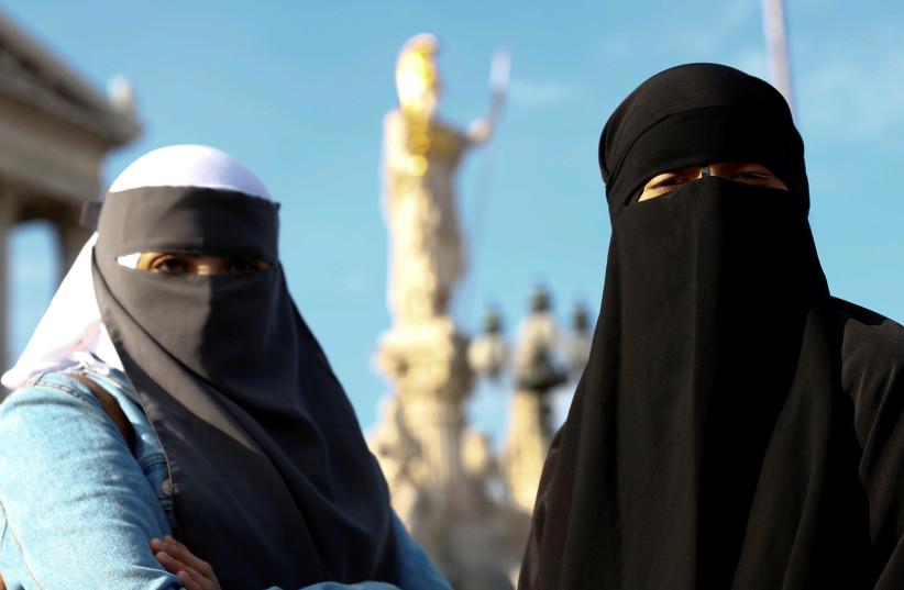 Burka illustrative (photo credit: LEONHARD FOEGER / REUTERS)