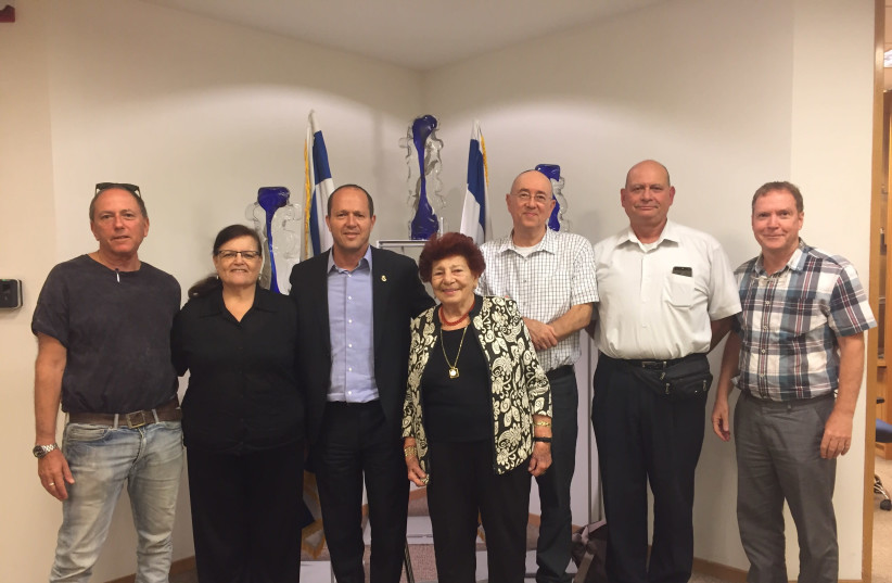 """Nir Barkat meets with """"the Committee to save apartment leasers in Israel"""" (photo credit: COURTESY JERUSALEM MUNICIPALITY)"""