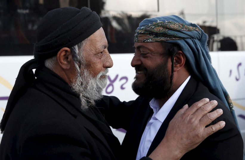 Salman Ichia (R), one of 19 Jews from Yemen, who were brought to Israel in what immigration officials described as the last covert operation to move members of a dwindling Jewish community dating back two millennia. (photo credit: REUTERS)