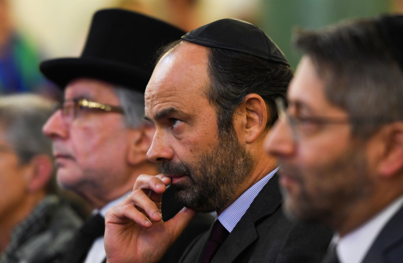 French Prime Minister Edouard Philippe attends a ceremony at the Buffault Synagogue in Paris, France, October 2, 2017. (photo credit: REUTERS/CHRISTOPHE ARCHAMBAULT/POOL)