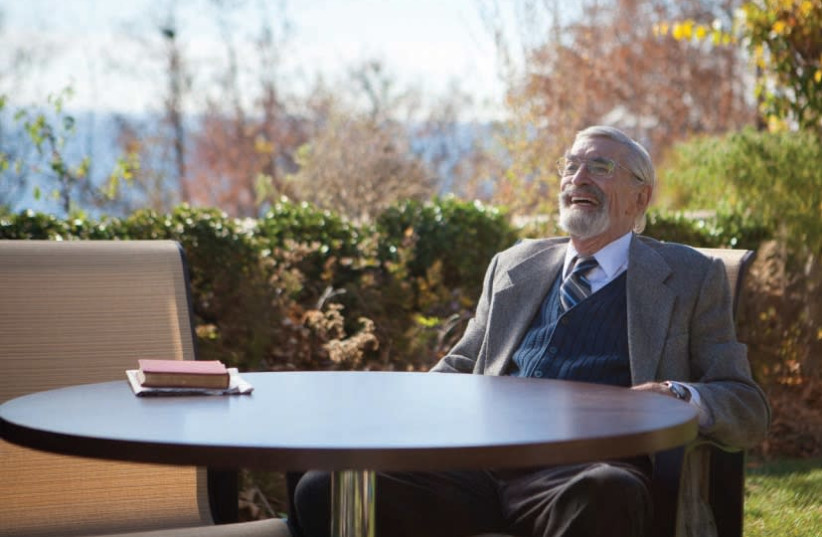 The late actor Martin Landau in a scene from 'The Last Poker Game.' (photo credit: LONG ROAD FILMS)
