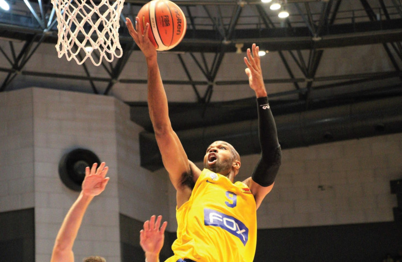 Maccabi Tel Aviv center Alex Tyus had 12 points on a perfect 5-of-5 from the field in last night's 88-71 win over Brose Bamberg in Euroleague action in Germany. (photo credit: ADI AVISHAI)