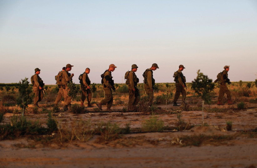 IDF soldiers during a training exercise (photo credit: REUTERS)